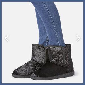 JustFab Ingrid Black Fuzzie Boot Size 7 NEW $59.95